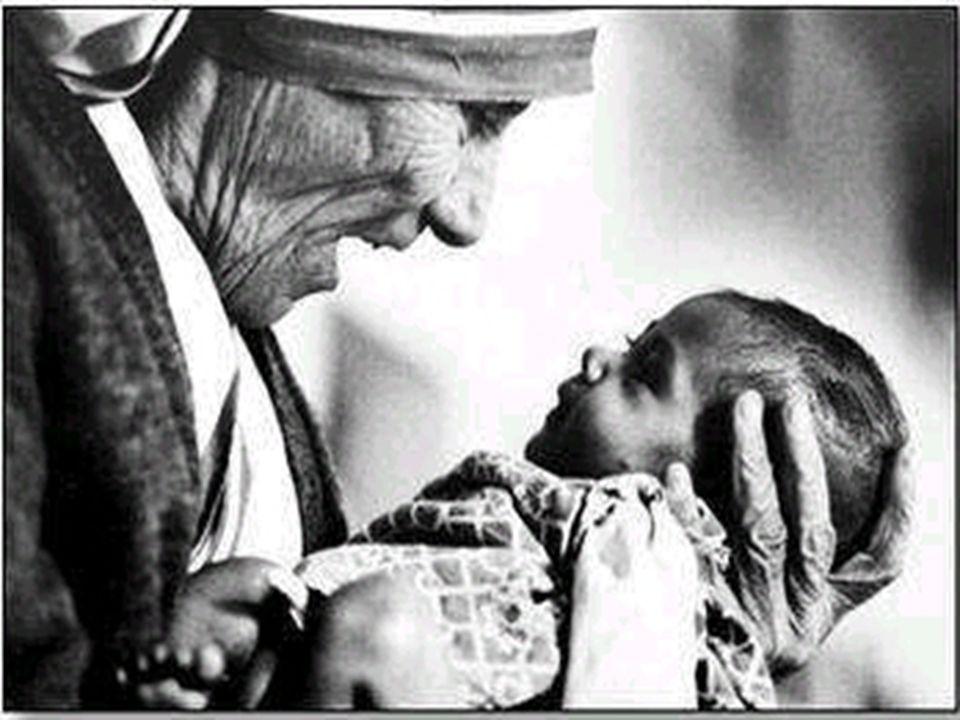 Ma ad immagine del Santo che vi ho chiamati, diventate santi anche voi, in tutta la vostra condotta, poiché sta scritto: Voi sarete santi , perché io sono santo.