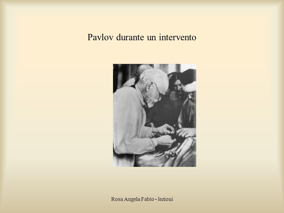 Pavlov durante un intervento