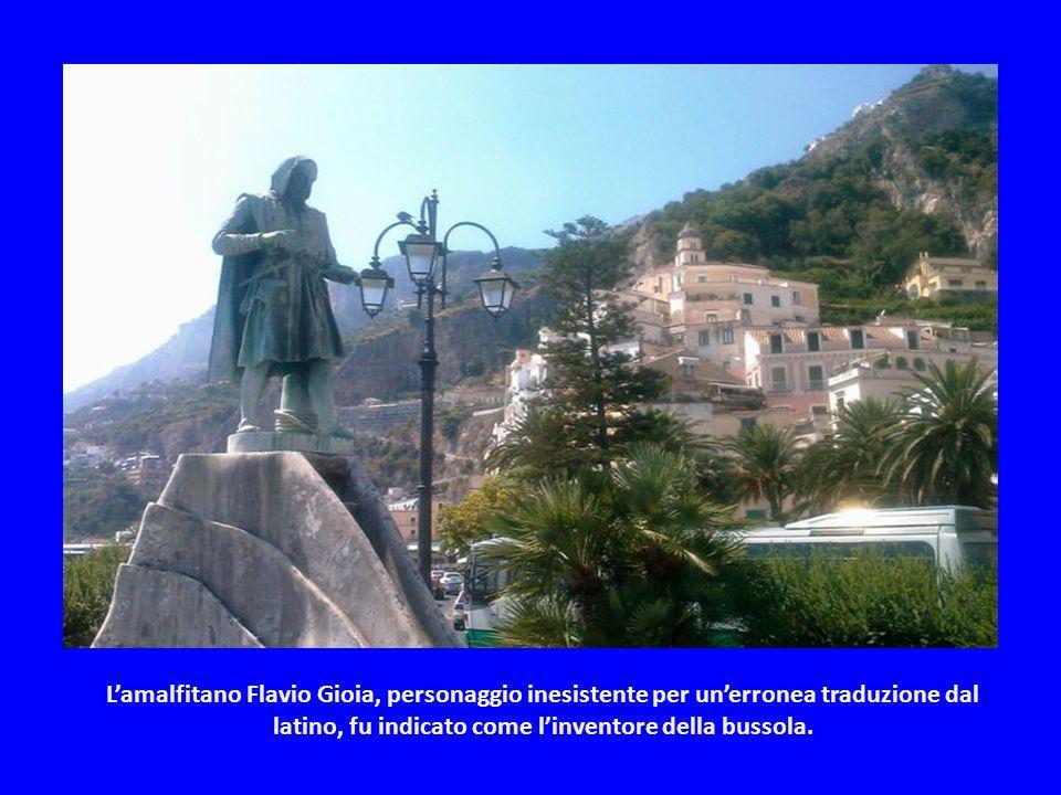 L'amalfitano Flavio Gioia, personaggio inesistente per un'erronea traduzione dal latino, fu indicato come l'inventore della bussola.