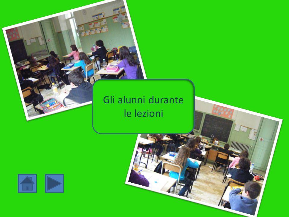 Gli alunni durante le lezioni