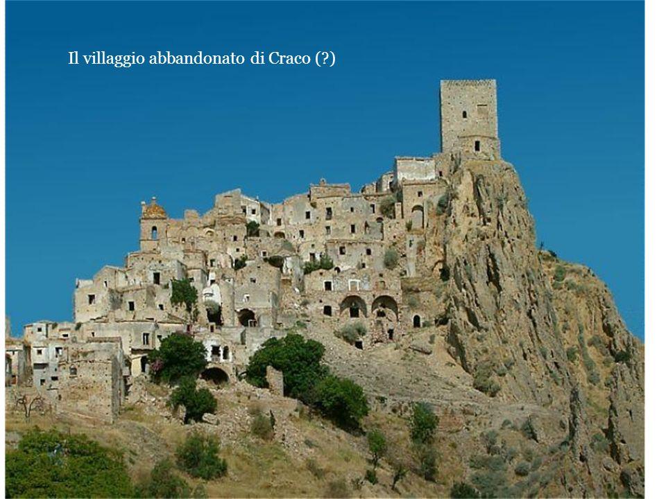 Il villaggio abbandonato di Craco ( )
