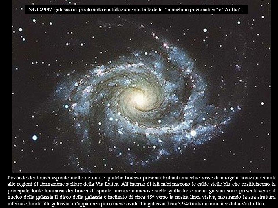 NGC2997: galassia a spirale nella costellazione australe della macchina pneumatica o Antlia .