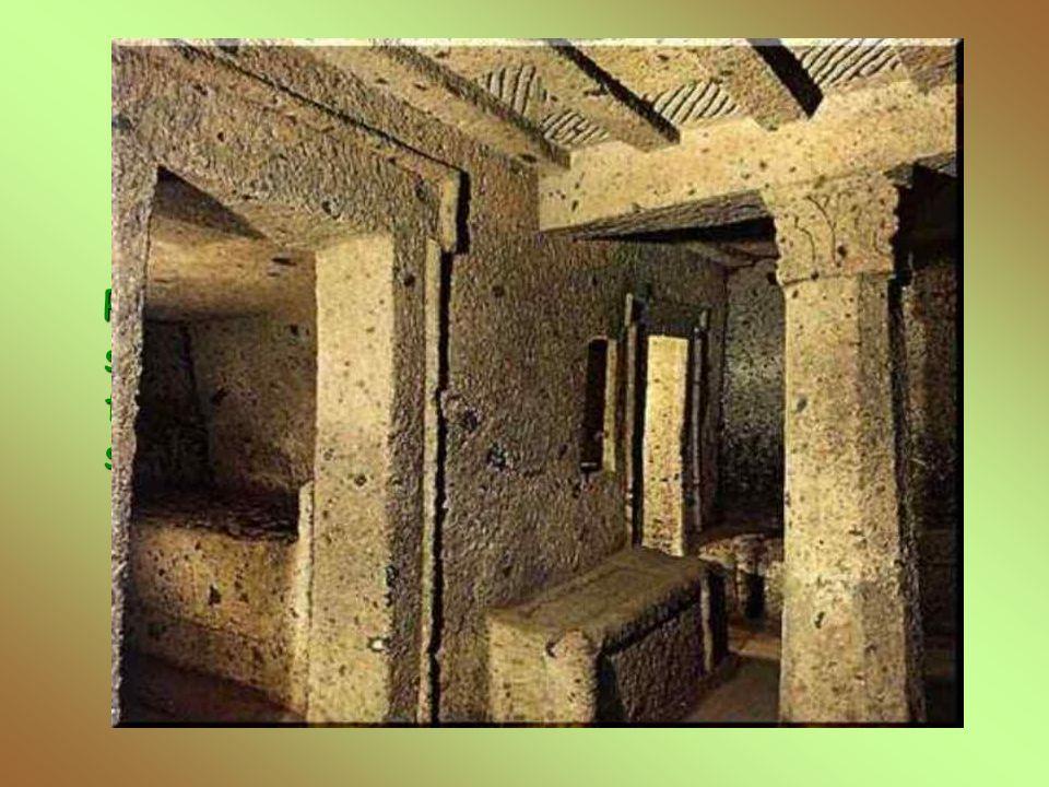 Tomba dei Capitelli