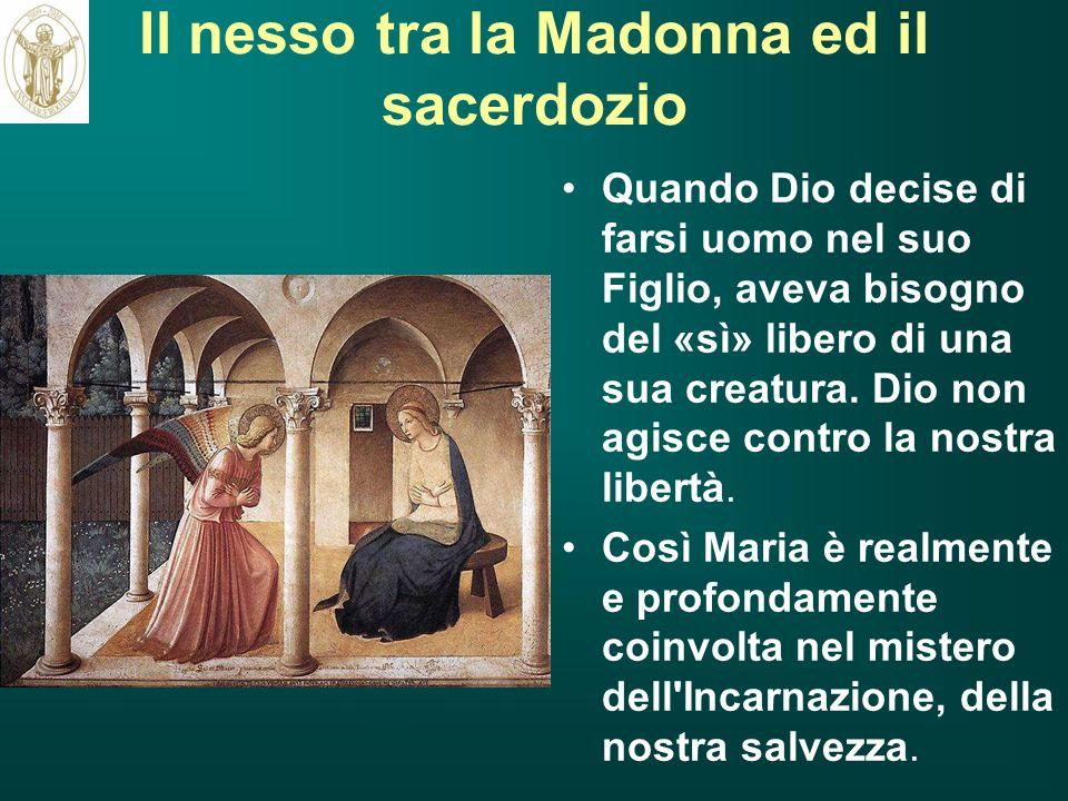 Il nesso tra la Madonna ed il sacerdozio