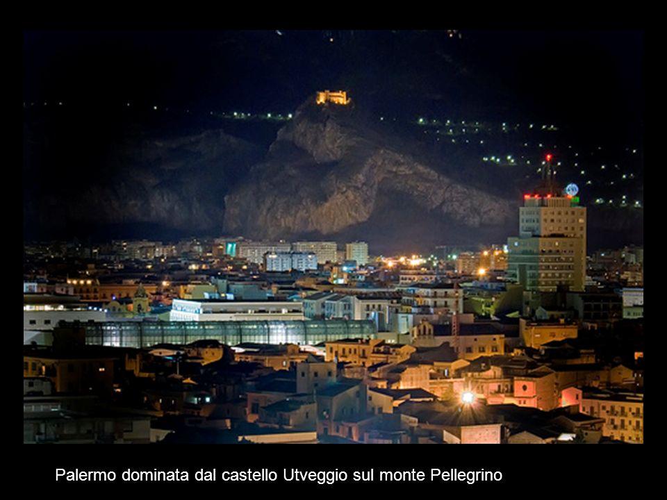 Palermo dominata dal castello Utveggio sul monte Pellegrino