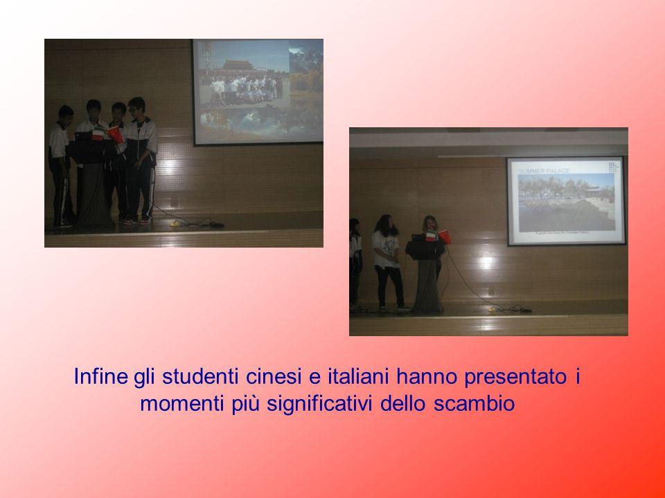 Infine gli studenti cinesi e italiani hanno presentato i momenti più significativi dello scambio