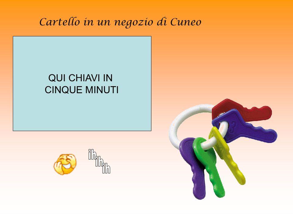 Cartello in un negozio di Cuneo
