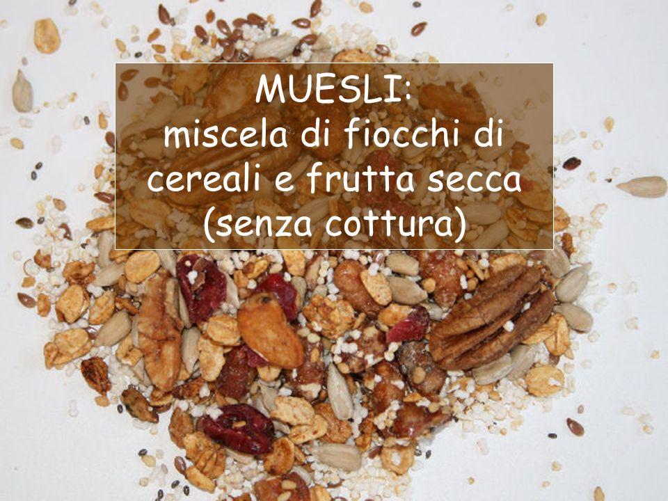 miscela di fiocchi di cereali e frutta secca