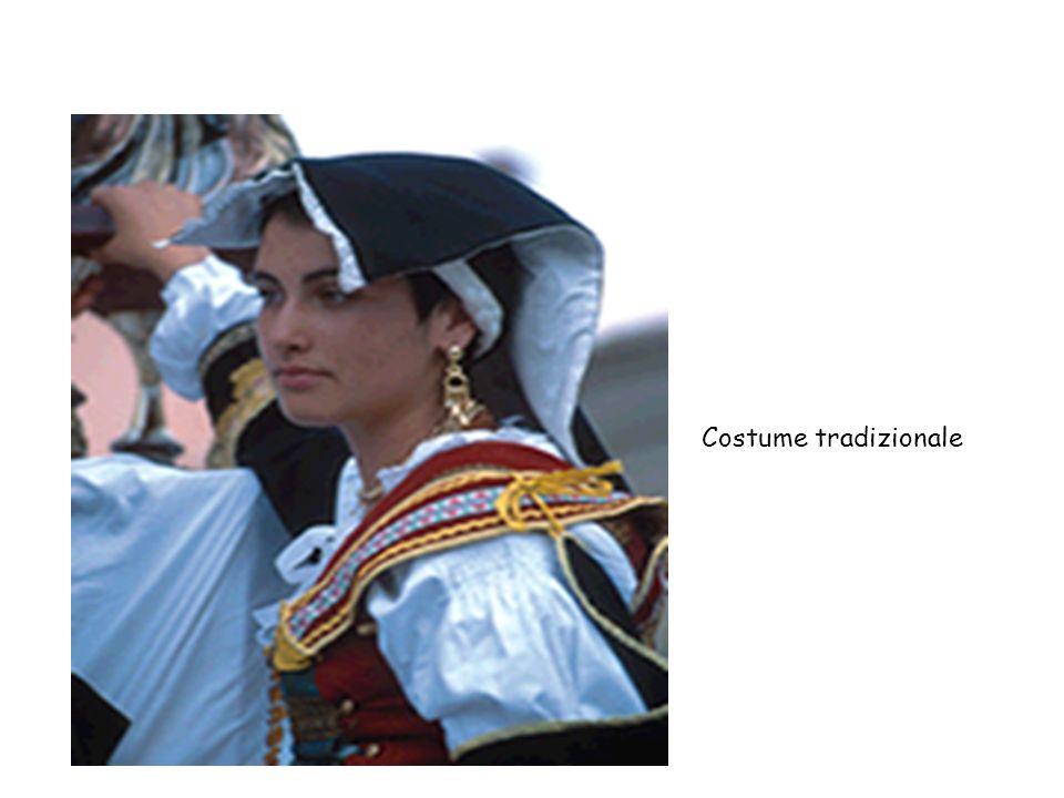 Costume tradizionale torna indietro