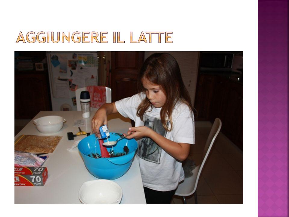 aggiungere il latte